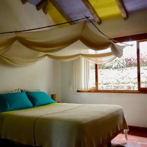 Habitación cama queen (1)