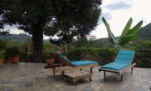 terraza asoleadoras turquesa